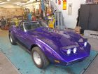 chevrolet-corvette-73-cabrio-purple